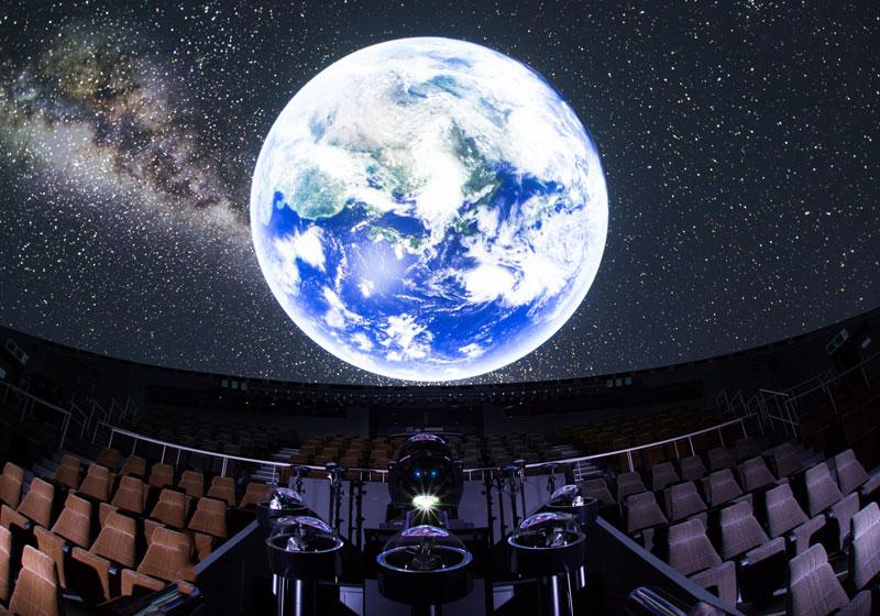 前往天文館體驗美麗星空與壯觀的宇宙
