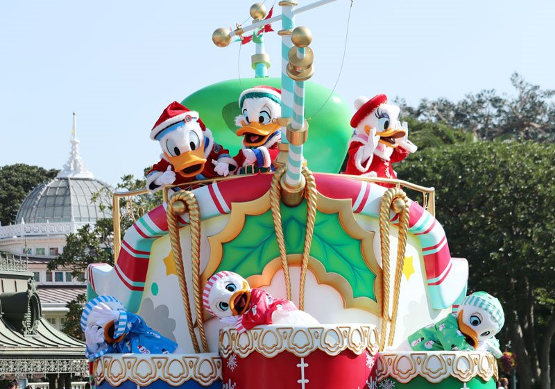 人気のパレード「ディズニー・クリスマス・ストーリーズ」01