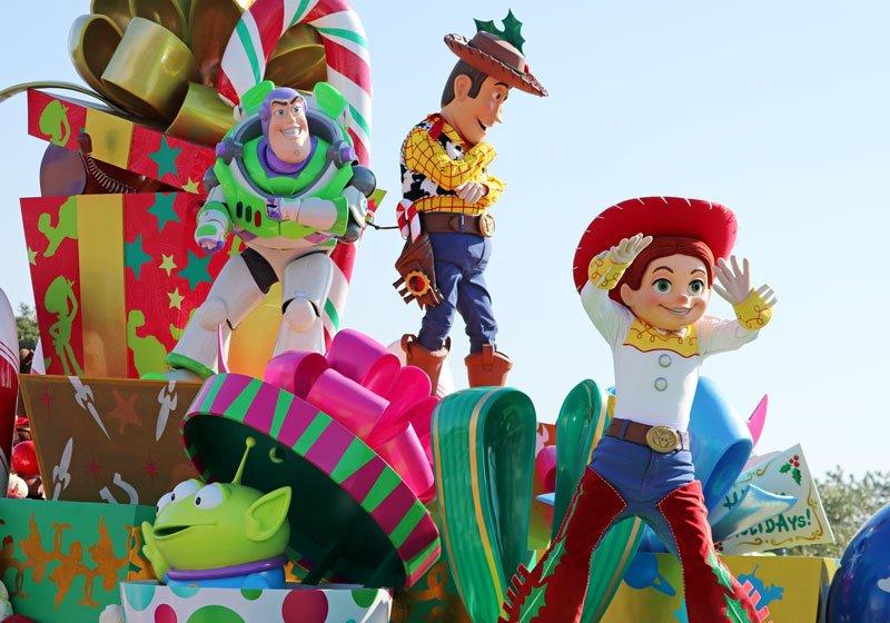 人気のパレード「ディズニー・クリスマス・ストーリーズ」02