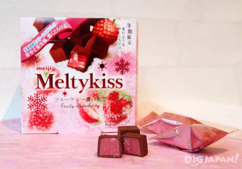 明治巧克力的Meltykiss雪吻香濃草莓