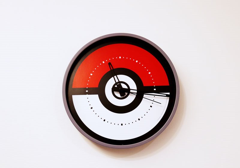 モンスターボール形の時計