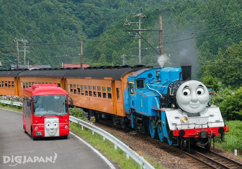 汤玛士号火车和巴士