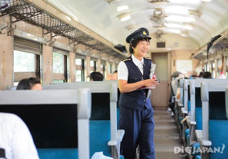乘务员SL阿姨