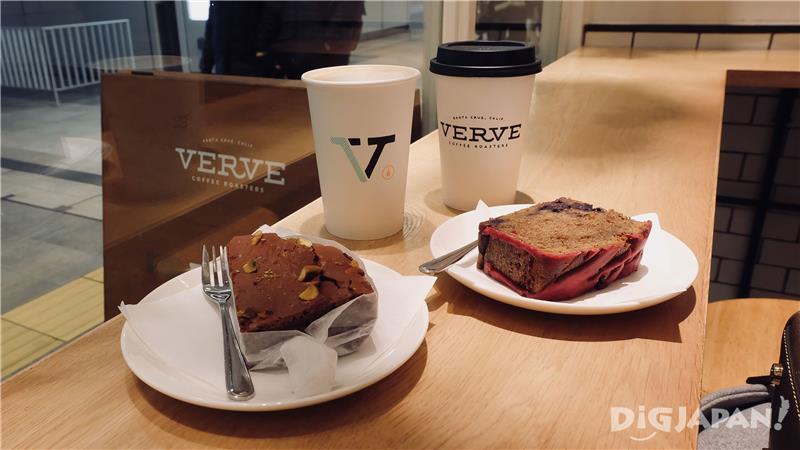 ขนมและกาแฟ VERVE Coffee Roasters