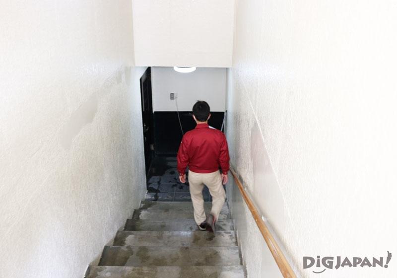 玉川酒造 貯蔵庫への階段